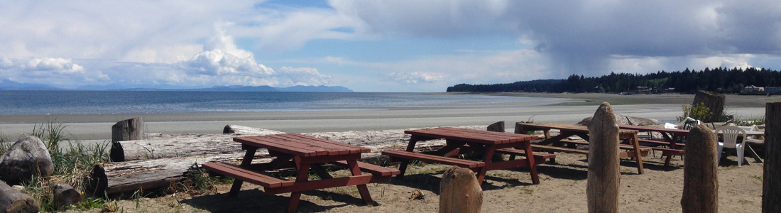 Sandy Saratoga Beach Resort Vancouver Island
